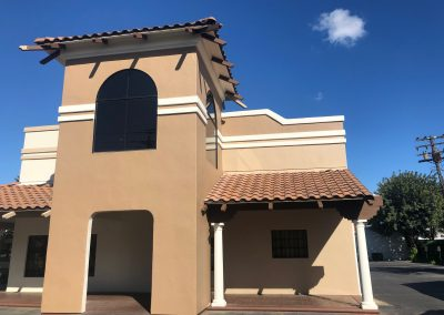 Commercial building exterior painting in Modesto
